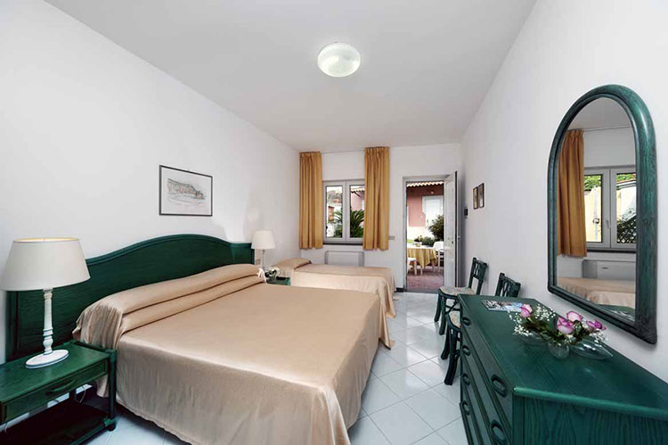 Bagni Termali Svizzera : Hotel terme villa svizzera ischia